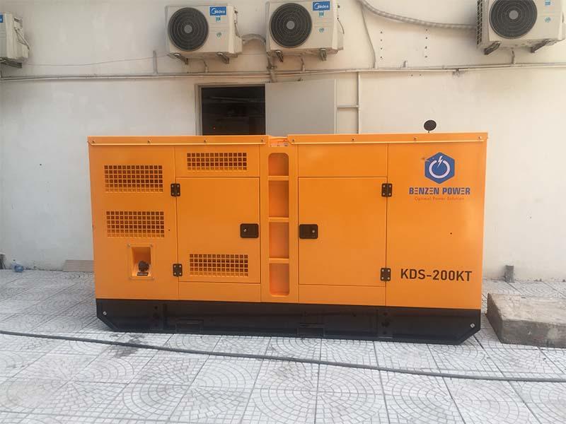 Máy phát điện được đặt vào vị trí theo bản vẽ kĩ thuật của công trình