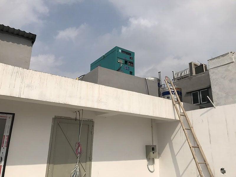Máy phát điện dùng để dự phòng cho thang máy của tòa nhà