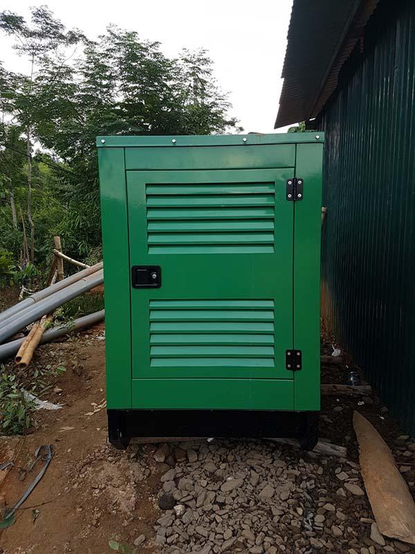 Đặt máy phát điện Cummins 120kVA dự phòng cho nhà bơm nước để rửa đất