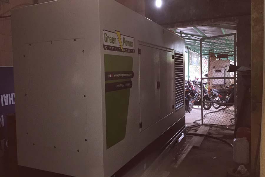 Đặt máy phát điện Perkins 150kVA trong phòng chứa tủ điện tổng