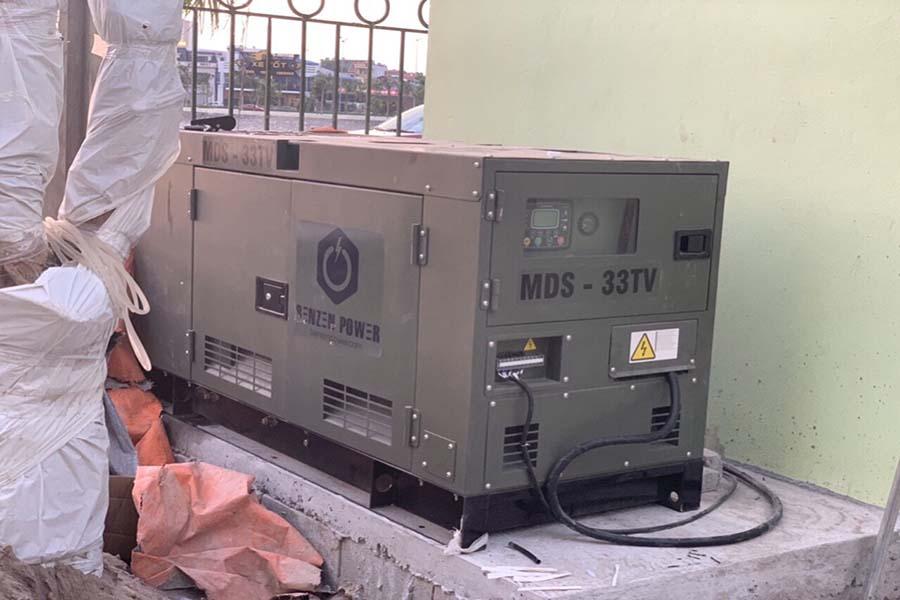 Đặt máy phát điện Mitsubishi 30kVA vào vị trí và đấu nối với hệ thống phụ tải
