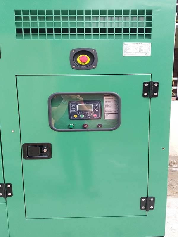 Bảng điều khiển của máy phát điện Cummins 350kVA