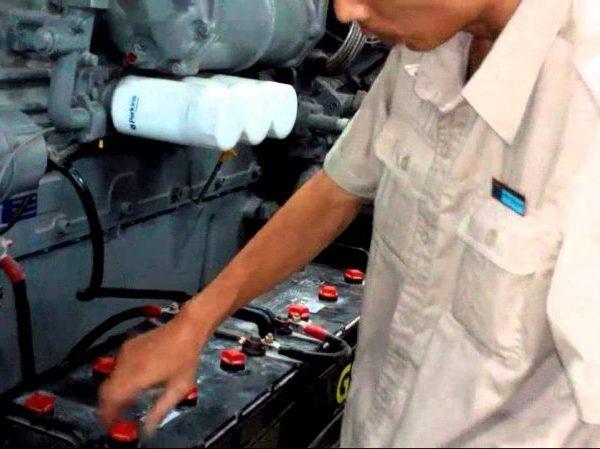 Người vận hành máy cần có kinh nghiệm và chuyên môn về máy phát điện công nghiệp