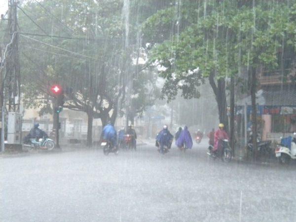 tuyệt đối không vận hành máy phát điện khi trời mưa.