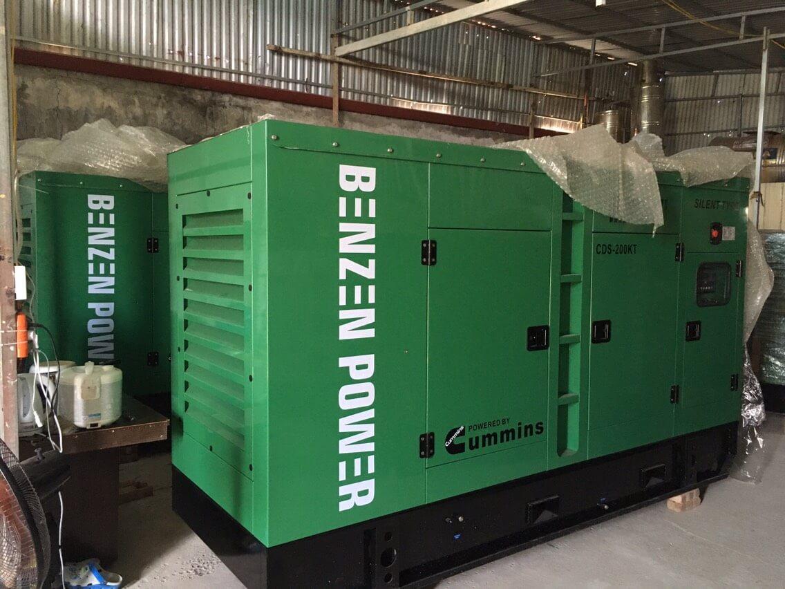 Máy phát điện Cummins chạy dầu Diesel
