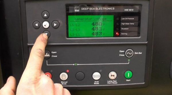 Bật máy phát điện bằng bảng điều khiển deepsea