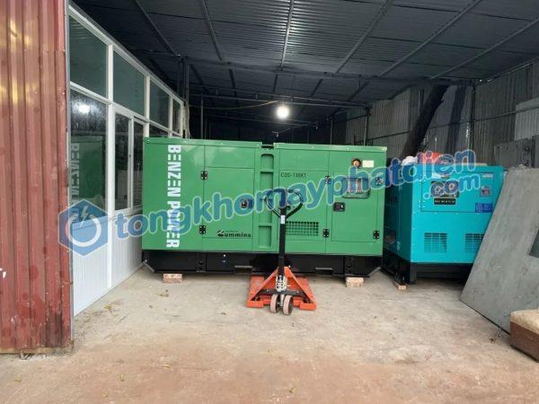 Test tại kho máy phát điện Cummins 125kVA trước khi nâng lên xe tải chuyển đến Nam Định
