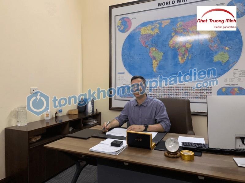 Ông Adam - Đại diện Peace Corps tại buổi lễ ký bàn giao máy phát điện