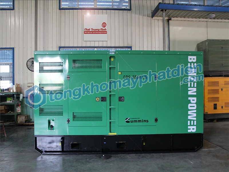 Máy phát điện Cummins 500kVA tại Tổng kho máy phát điện