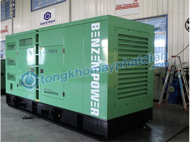 Máy phát điện Cummins 550kVA nhập khẩu nguyên chiếc chính hãng